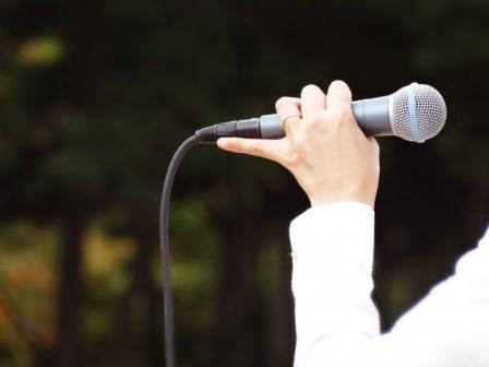 荻野目洋子のライブ情報