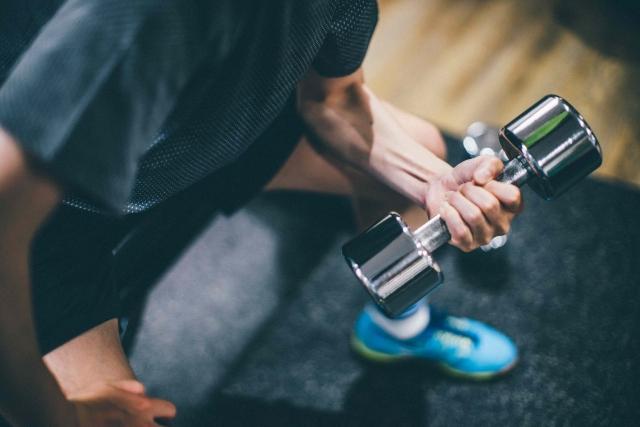 自宅で使える筋トレ器具・道具の人気定番アイテムのまとめ